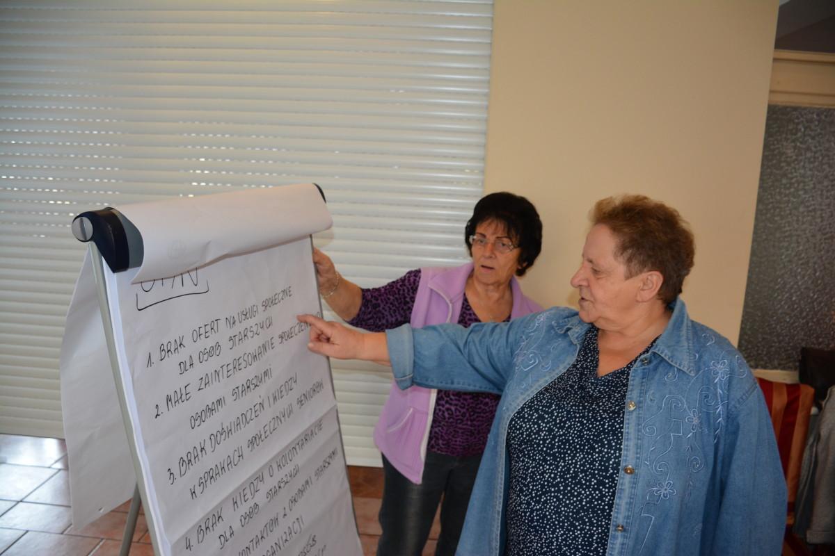Seniorzy tworzą projekty